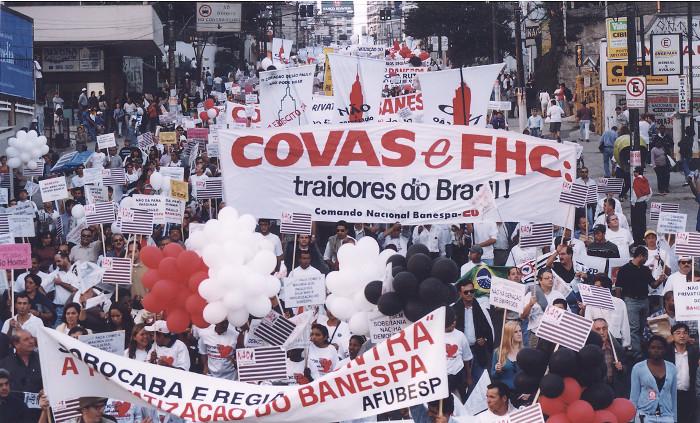Protesto contra a privatização do Banespa: meios de comunicação foram poderosos