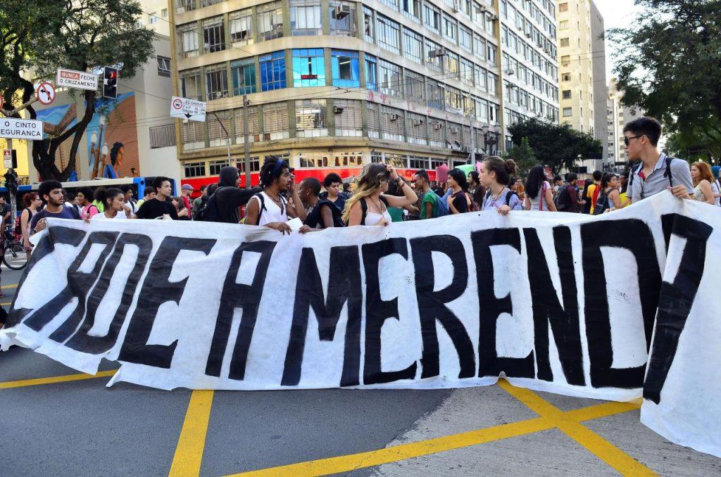 Os secundaristas não esperam o movimento de massa, eles vão ocupando as ruas e a